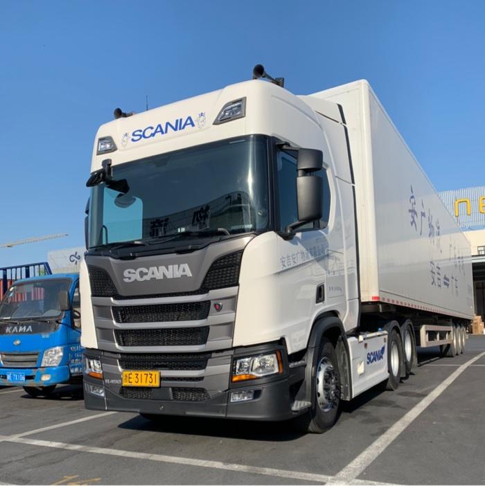 斯堪尼亚 新R系列重卡 450马力 6X2牵引车(型号R450)